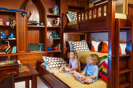 5 Hotels With Bunk Beds Your Kids Will Actually Want to Sleep In