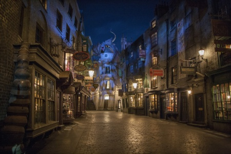 What You Need to Know About Diagon Alley at The Wizarding World of Harry Potter